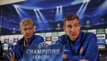 Wenger a Mertesacker